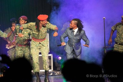 Jah Prayzah and Andy Muridzo on stage (file photo).