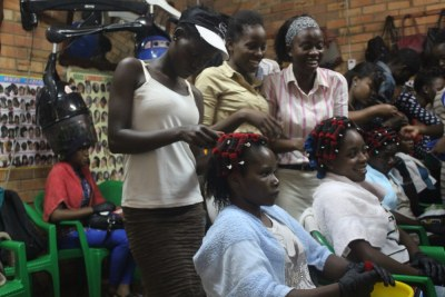 Trying to get ahead South Sudanese refugees find work in Kampala salons