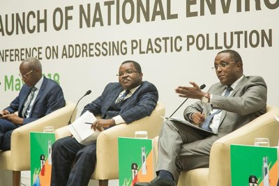 Minister for Environment Vincent Biruta addresses participants during the launch of the National Environment Week, as Minister for Trade and Industry, Vincent Munyeshyaka (centre) and PSF CEO Steven Ruzibiza look on.
