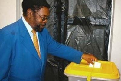 President of the Rally for Democracy and Progress Hidipo Hamutenya.