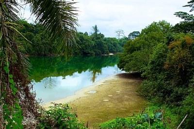 Le Lac Bleu au Gabon