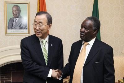 Secretary-General Ban Ki-moon (left) meets with Michael Chilufya Sata, President of Zambia, in Zambian capital Lusaka.