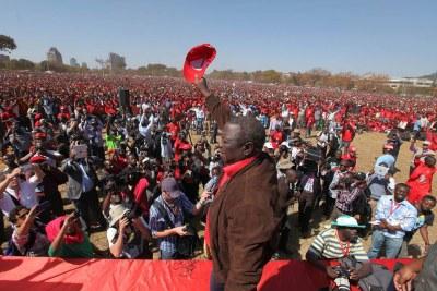 Morgan Tsvangirai at a rally in 2013 (file photo).