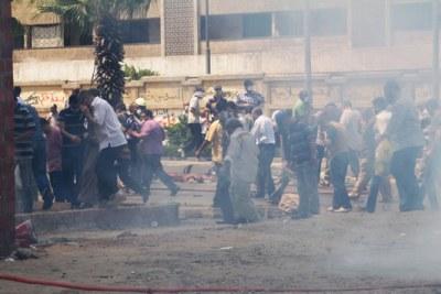 Explosions dans les rues du Caire.
