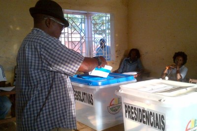 Voting during the 2014 elections.