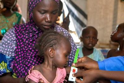 Un dépistage nutritionnel pour les enfants du camp de déplacés de Dalori, dans la ville de Maiduguri, dans l'Etat de Borno, au nord-est du Nigéria.