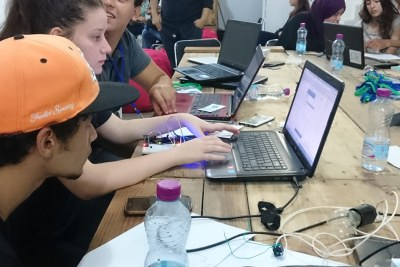 During a two-day program, the Sylabs Youth Academy in Algeria covered a range of topics, including basic programming, virtual reality, the Arduino open-source software, cybersecurity, design thinking and graphic design