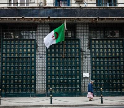 Has Algeria taken an anti-IS vaccine?