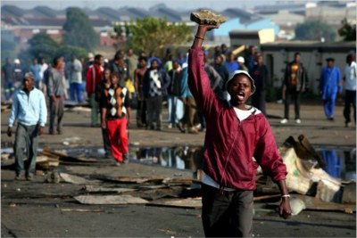 Some angry residents attack houses of immigrants in Johannesburg (file photo).