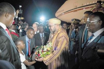 L'arrivée du Souverain à Lusaka.