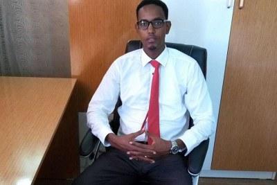 Abbas Abdullahi Sheikh Siraji à son bureau le 4 avril 2017 à Mogadiscio