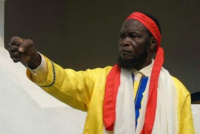 La police de la RDC présente des adeptes de Bundu dia Kongo