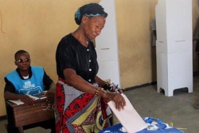 Début de vote le 28/11/2011 à Kinshasa, pour les élections de 2011 en RDC.