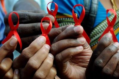 Ruban rouge VIH Sida