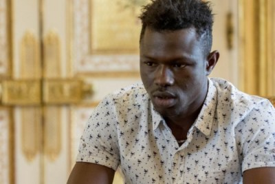 Mamoudou Gassama has been given temporary residency papers and offered a job as a firefighter in Paris.