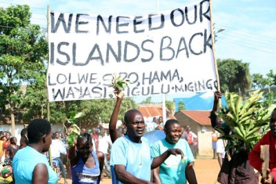 Residents and fishermen of Nambo Beach in Usenge Siaya County protest against harassment in Lake Victoria hours after some fishermen were abducted together with three police officers by the Uganda authorities in Lake Victoria.