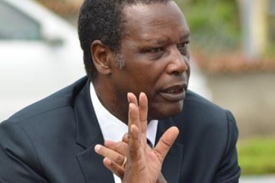 Mr Pierre Buyoya, dirige le pays à deux reprises : de 1987 à 1993, puis de 1996 à 2003.