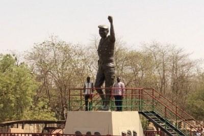 Statue géante Thomas Sankara