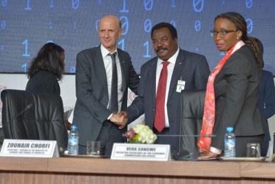 Vera Songwe- Secrétaire exécutive de la Commission économique pour l'Afrique, Zouhair Chorfi- Nouveau président du Bureau, HE Elsadig Bakheit Elfaki Abdalla- Président sortant du bureau