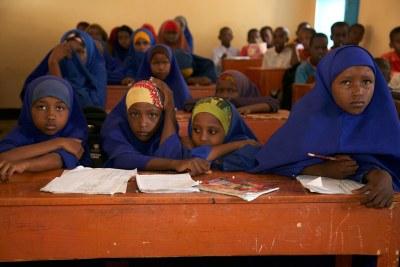 Des étudiants de l'école du camp pour personnes déplacées d'Howlwadaag, à Baidoa, en Somalie en mai 2019