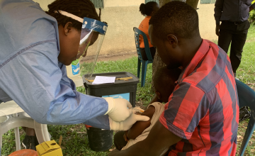 Uganda Starts Largest Ebola Vaccine Trial for Caregivers