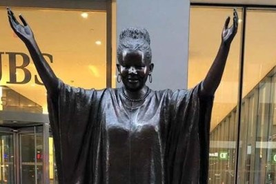Tererai Trent is one of 10 Statues For Equality created by sculptors Gillie and Marc Schattner.