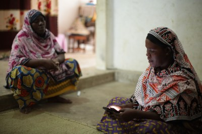 In Zanzibar, D-tree International's Safer Deliveries program use mobile technology to address the multiple obstacles that women face when trying to go to a facility for delivery.