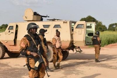 Des militaires burkinabe