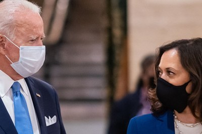 Joe Biden and Kamala Harris, the president-elect and vice president-elect of the United States, taking SarsCo-V2 and Covid-19 seriously. Harris is the first person with African identity as part of her heritage to be voted to serve in that position.