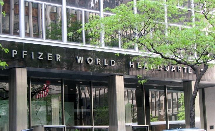 U.S.  starts mass air shipment of Pfizer Covid-19 vaccine