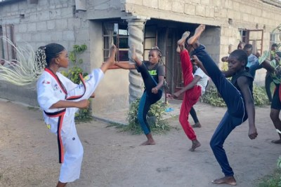 Seventeen-year-old Natsiraishe Maritsa, founder of the Vulnerable Underaged People's Auditorium Initiative, teaches her peers about the dangers of early pregnancy and early marriage and keeps them busy with martial arts.