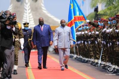 Le Président de la République a reçu, ce mardi au Palais de la Nation, son homologue du Burundi, le Président Evariste Ndayishimiye. Les deux chefs d'État ont eu un entretien en tête-à-tête de plus d'une heure.
