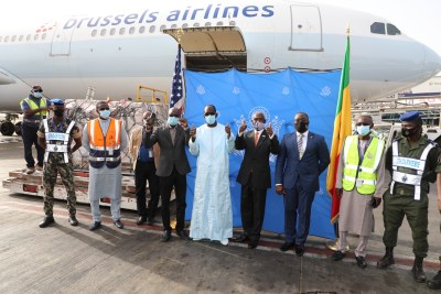 The arrival on July 21 in Dakar of 151,200 doses of the Johnson & Johnson COVID-19 vaccine for Senegal, provided by the United States in coordination with @gavi, #COVAX, and the @_AfricanUnion - part of the approximately 25 million COVID-19 vaccines U.S. donation to AU member states.