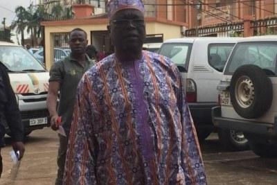 Amadou Vamoulke à son arrivée au Tribunal criminel spécial (TCS) de Yaoundé, Cameroun, le 21 novembre 2019.