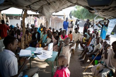 Medics at the MSF hospital in Lankien, in South Sudan's Jonglei State, treat patients for kala-azar (file photo).
